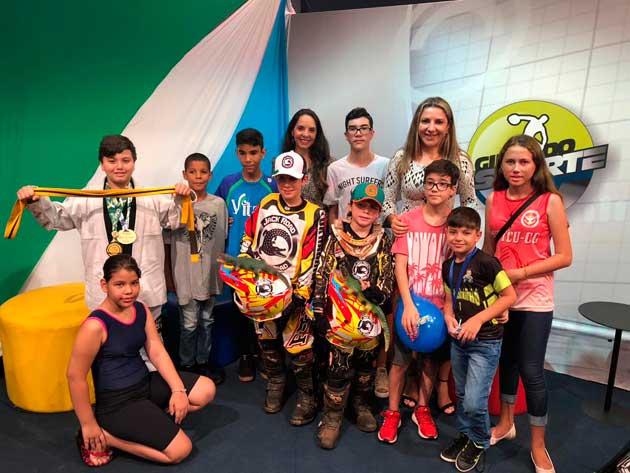 Giro do Esporte especial recebeu pequenos atletas e a psicóloga Cleo Medeiros. (Foto: Divulgação)
