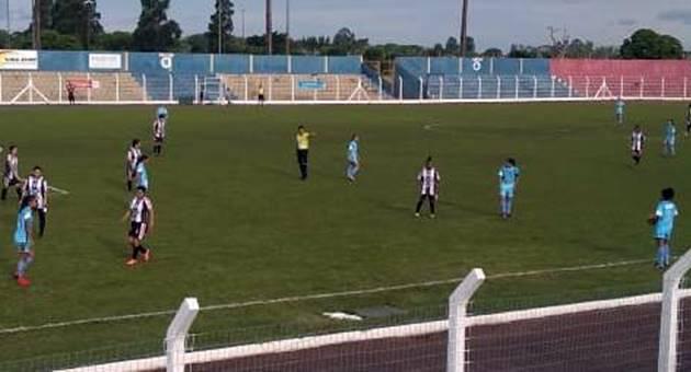 Primeira final do Estadual Feminino teve goleada de 5 a 0 da equipe das Moreninhas sobre o Comercial de Três Lagoas. (Foto: Fábio Felipe/FFMS)