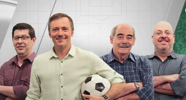 Celso Unzelte, Vladir Lemos, Roberto Rivellino e Vitor Birner comandam a bancada do Cartão Verde. (Foto: TV Cultura/Divulgação)