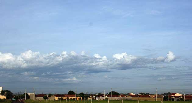 Dia promete ter calor e pancadas de chuva, principalmente à tarde. (Foto: Subcom/Arquivo)