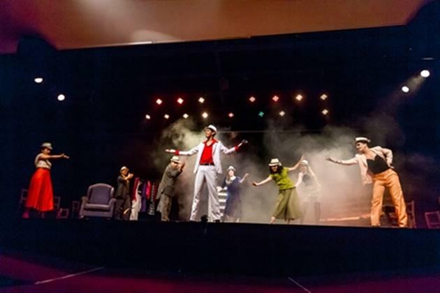 Fulano di Tal celebra seus 15 anos em 2018 com o espetáculo Ópera do Malandro, encenado quinta e sábado no Teatro Prosa. (Foto: Vaca Azul/Divulgação)