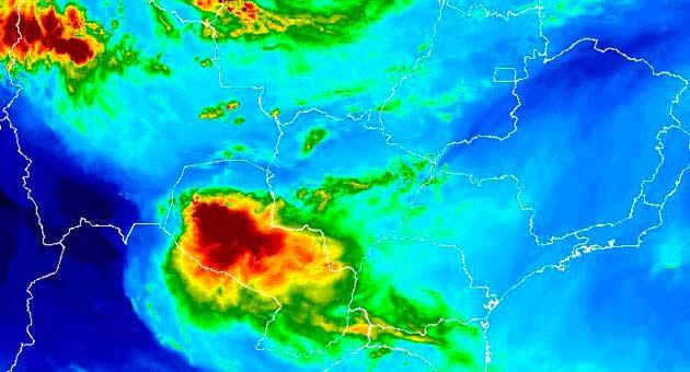 Imagem de satélite mostra movimentação de nuvens ao longo do Sul e Pantanal de MS. (Imagem: Inmet/Reprodução)