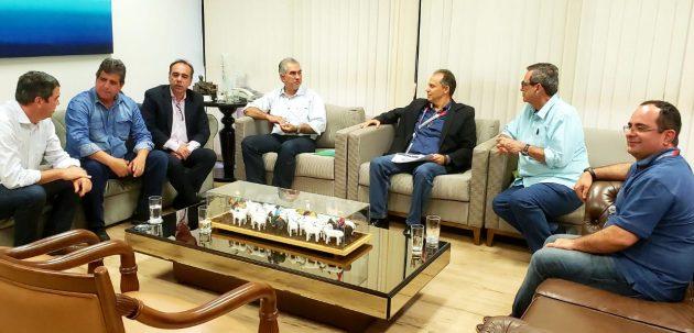 Reunião nesta quarta-feira discutiu transmissão do sinal da TV Assembleia via Fertel, bem como a expansão do sinal digital da TVE Cultura. (Foto: Pedro Amaral)