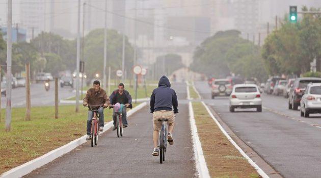 Campo Grande enfrentou temperaturas mais baixas nesta segunda-feira (19) com avanço de frente fria. (Foto: Defesa Civil/Divulgação)