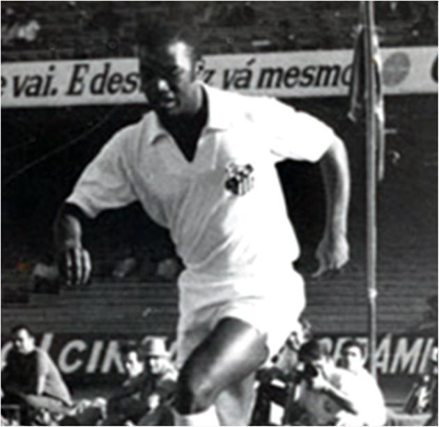 Ex-ponta-esquerda foi ídolo no Santos e participou da conquista do tricampeonato mundial em 1970. (Foto: Reprodução)