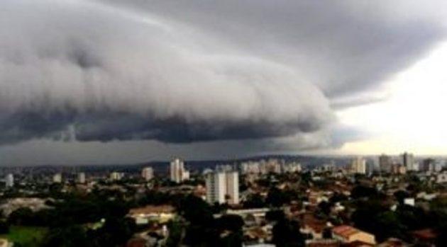 Dia promete ser de calor, com céu parcialmente nublado e chuvas à tarde em Campo Grande. (Foto: Subcom/Arquivo)