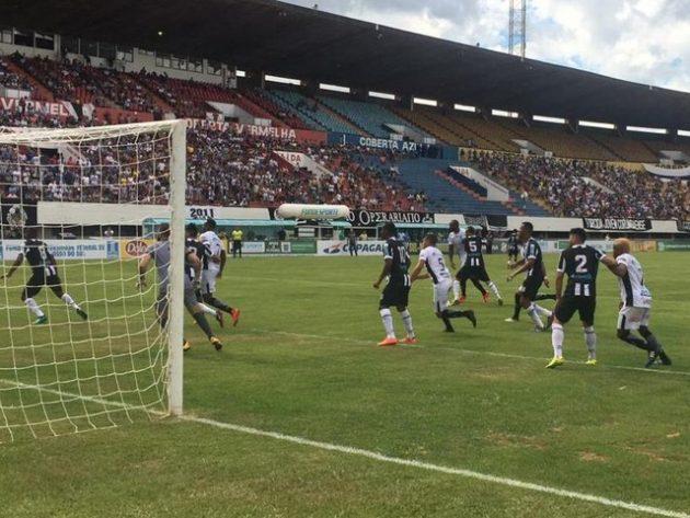 Operário e Corumbaense reeditaram final de 2018 no Morenão, em jogo com vitória do Galo e confusão no estádio. (Foto: FFMS/Reprodução)