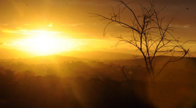 Meteorologia prevê dia de altas temperaturas; Inmet emitiu alerta sobre onda de calor. (Foto: Subcom/Arquivo)