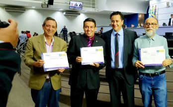 Bosco Martins, Anderson Barão, vereador Delegado Wellington e Gabino Lino, em homenagem à Educativa 104.7 FM. (Foto: Maurício Borges)