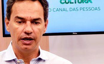 Prefeito concedeu entrevistas à Educativa 104.7 FM e à TVE Cultura, reforçando parceria na 1ª Copa Campo Grande de Futebol Amador. (Foto: Maurício Borges)