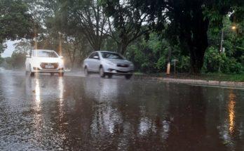 Terça-feira foi de chuva intensa em Campo Grande. (Foto: Humberto Marques)