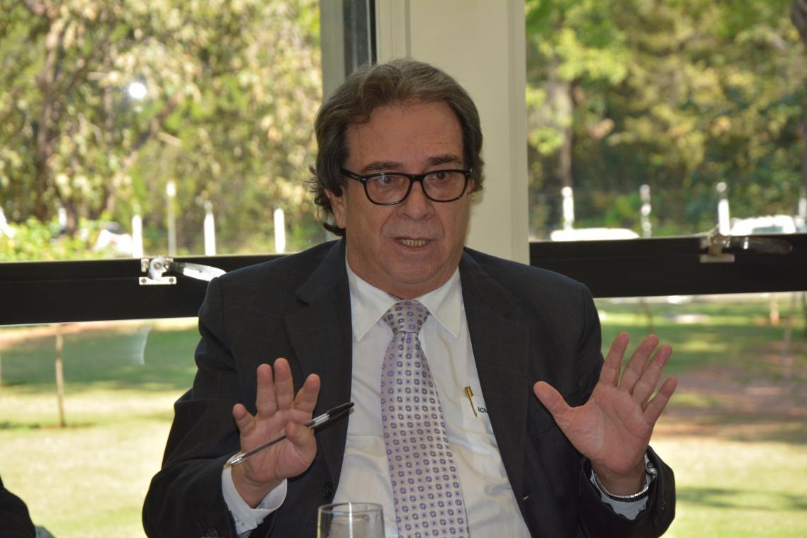 704abf4b916 Artigo  Distância Salutar por Conselheiro Iran Coelho das Neves