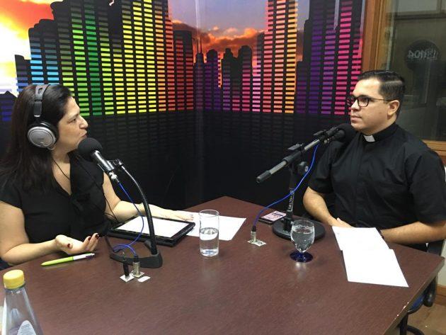 Padre Valter Casimiro falou ao Bom Dia Campo Grande sobre a Campanha da Fraternidade deste ano. (Foto: Rose Rodrigues/Fertel)