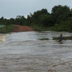 Cheia do rio apa causou danos em estradas e atingiu diretamente populações da região sudoeste. (Foto: Cedec/Divulgação)