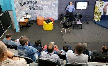 Representantes de emissoras de MS participaram de encontro na sede da Fertel. (Foto: Maurício Borges)