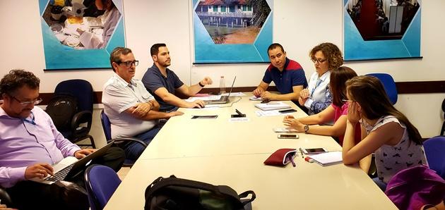 Prorrogação de acordo entre Fertel e UFMS foi celebrado durante reunião do Conselho de Programação da rádio universitária. (Foto: Fertel)