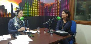 Jornalista Sabrina Nakao (à direita) falou ao Bom Dia Campo Grande sobre projeto focado na educação financeira para crianças. (Foto: Pedro Amaral/Fertel)
