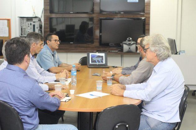 Representantes da TBG se reuniram com o comando da Defesa Civil de MS nesta segunda-feira. (Foto: Pedro Amaral/Fertel)