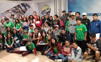 Estudantes da BCG no estúdio da TVE Cultura, durante visita na manhã desta quinta-feira. (Foto: Iasmin Biolo/Fertel)