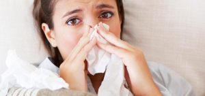 Diferenças entre sintomas da gripe comum e das variações mais letais são mínimas, segundo infectologista. (Foto: Reprodução)