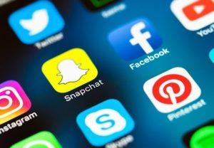 Conduta nas redes sociais pode ter influência na seleção por vaga de trabalho, alerta especialista no Minuto do Trabalhador. (Imagem: Reprodução)