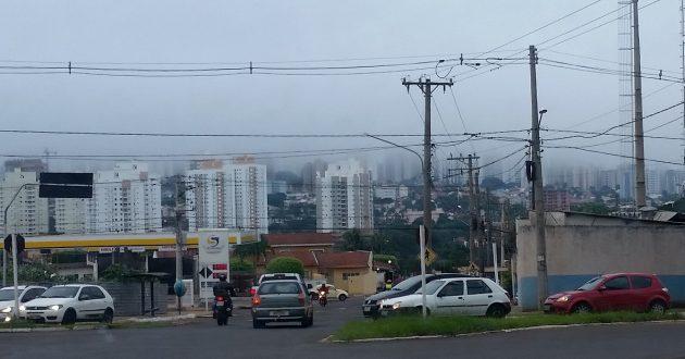 Céu sobre Campo Grande; temperaturas começam a cair no Estado. (Foto: Subcom/Arquivo)