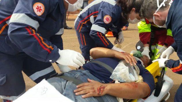 Simulação de atendimento do Samu; serviço de ambulâncias atua em situações de urgência e emergência. (Foto: PMCG/Divulgação)