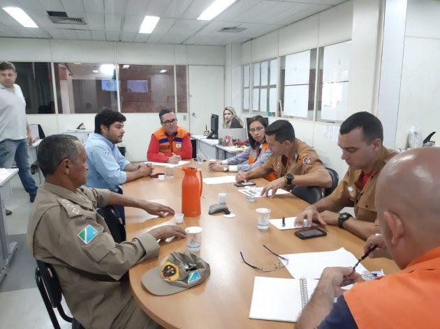 Reunião nesta terça-feira tratou de detalhes para funcionamento de Sala de Situação. (Foto: Humberto Marques)