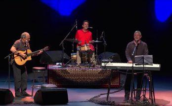 """Toquinho, MPB4 e Ivan Lins sobem juntos ao palco em """"50 Anos de Música"""", atração vai ao ar ao vivo às 19h de domingo na TVE Cultura. (Foto: TVE Bahia/Reprodução)"""