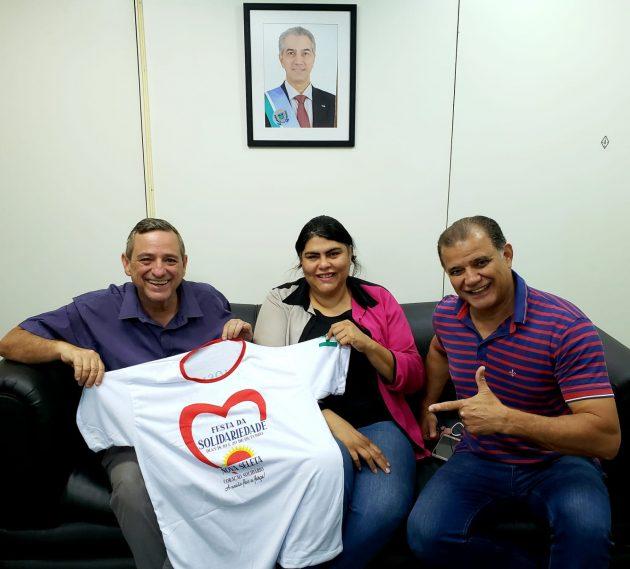 Bosco Martins, a empresária Tatiane Baumgardner (em visita à Fertel) e Rui Spínola. (Foto: Iasmin Biolo/Fertel)