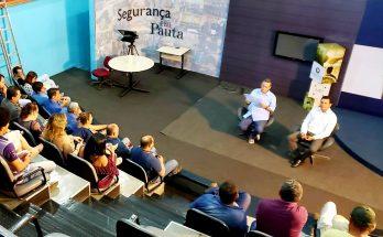 Bosco Martins (à esquerda) e o procurador jurídico da Fertel, Danilo Magalhães, durante reunião de avaliação nesta terça. (Foto: Iasmin Biolo/Fertel)
