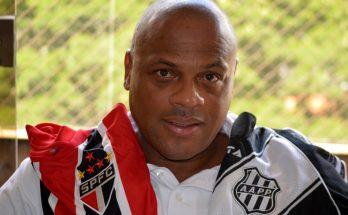 Ex-zagueiro Ronaldão, com as camisas do São Paulo, onde foi um dos destaques na década de 1990, e da Ponte Preta, da qual foi gerente de futebol. (Foto: Divulgação)