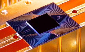 Chip utilizado em supercomputador do Google usa tecnologia de qubits. (Foto: Nature/Reprodução)