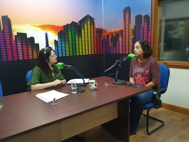 Alessandra Gutierrez (à direita) destacou preocupação da comunidade médica com avanço da desinformação. (Foto: Pedro Amaral/Fertel)