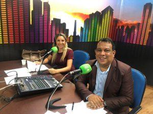 Joel Silva e Eva Regina comandam o radiojornal MS no Rádio (Foto: Iasmim Biolo)